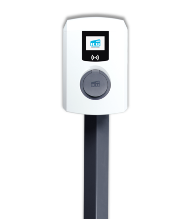 Frontalaufnahme der ICU Eve Mini Ladebox vor weißem Hintergrund auf einem dunkelgrauen Standfuß.