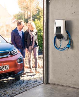 Mennekes Amtron - Wallbox in Garage, Pärchen und BMW i3