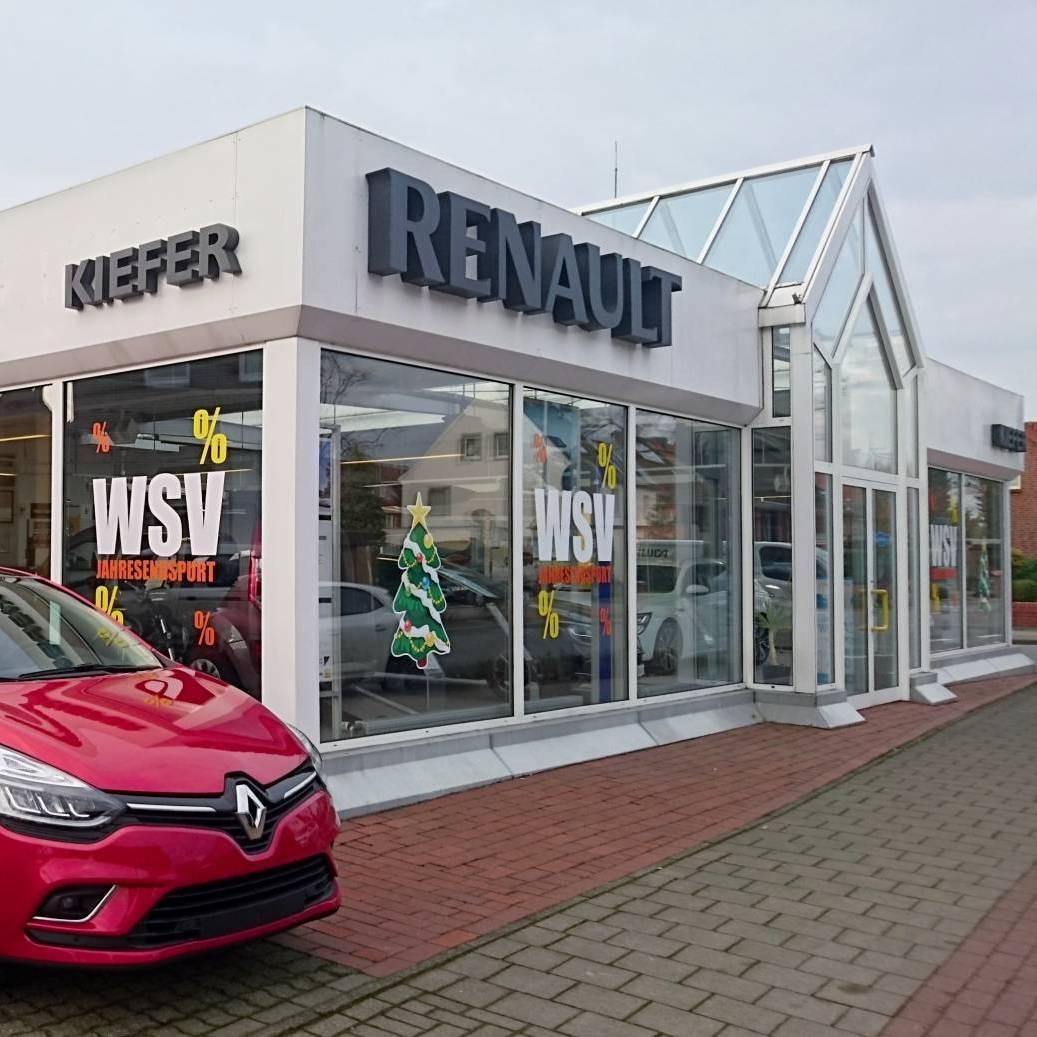 Komplettansicht Autohaus Kiefer mit rotem Renault ZOE