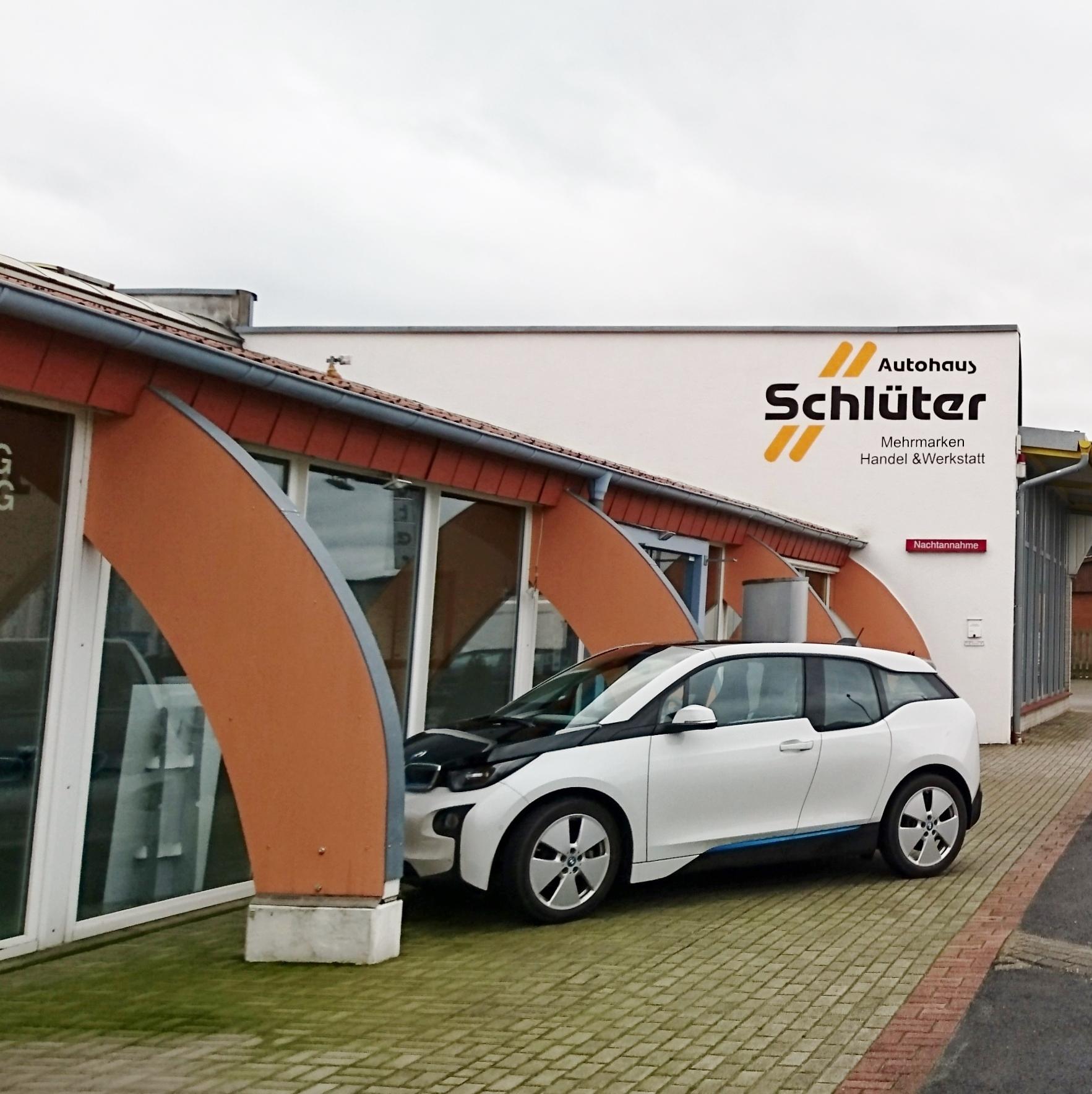 Autohaus Schlüter Aussenansicht mit BMW i3